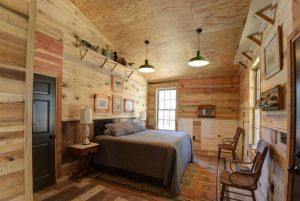 6rustic bedroom barn shade green