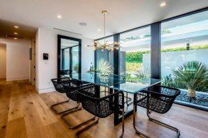 2modern chandelier dining room