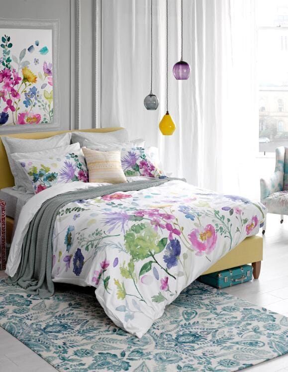 5bedroom a pop of color