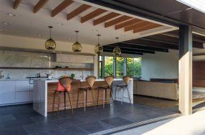 6hanging kitchen