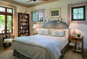 6swing arm wall bedroom2